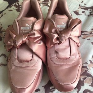 Worn once Fenty Puma by Rihanna Pink Bow Sneakers